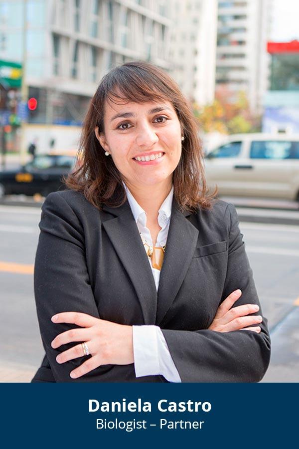 En: Daniela Castro